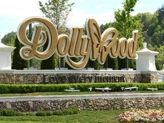 The Dollywood sign (photo by Daniel Munnson/TheSmokies.com)