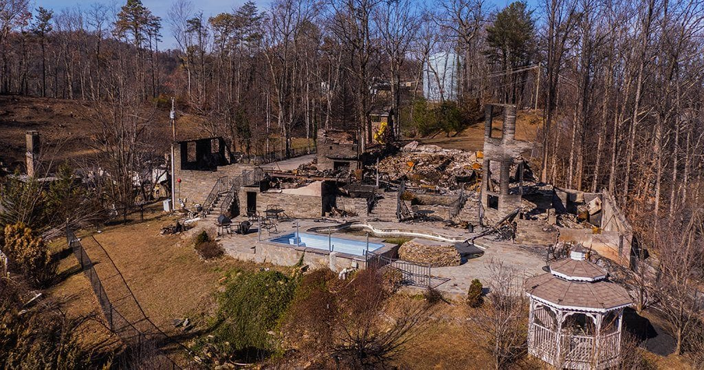 The remains of a large building in Gatlinburg from the fires of 2016 (Joshua K Pruitt / Shutterstock.c.om)